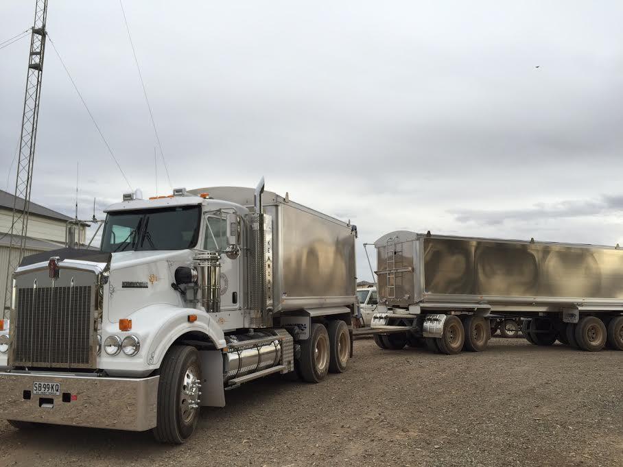 Kenworth-tipper-truck2